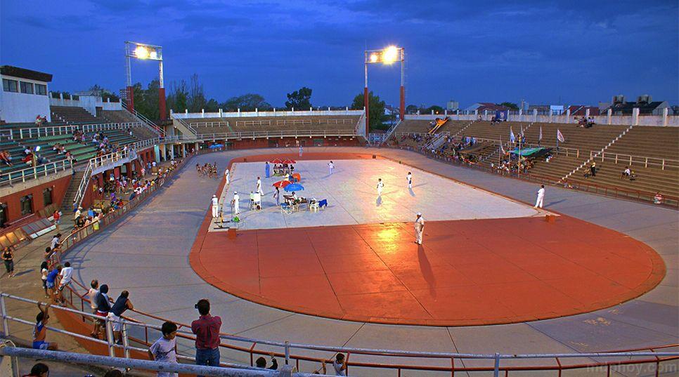 Los gastos corrieron por cuenta del Municipio y las ganancias fueron para la Asociación madre del tenis argentino.