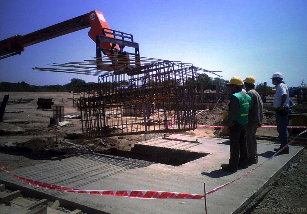Los habitantes de la zona dicen que los complejos comenzaron a levantarse hace más de un año.