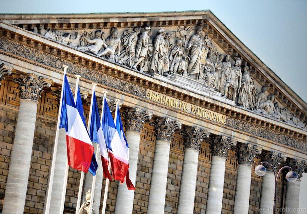 El parlamento francés utiliza la tecnología para vincularse con los ciudadanos.