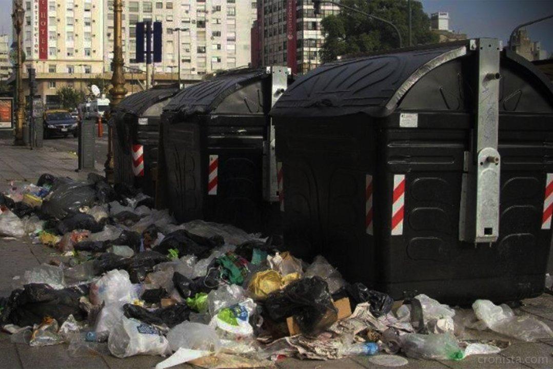 Atribuyen el mal funcionamiento de los contenedores al uso indebido de ciudadanos y recolectores.