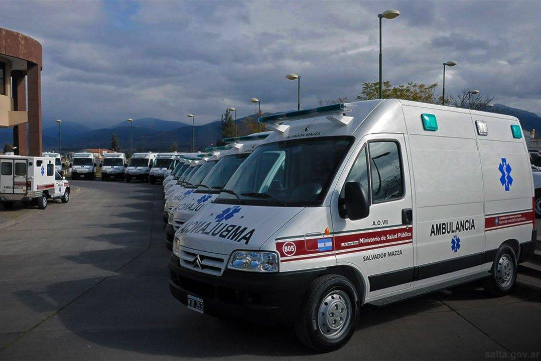Pese a que el Gobierno provincial sumó ambulancias, en el Juan Solá sólo funciona una de las tres que hay.