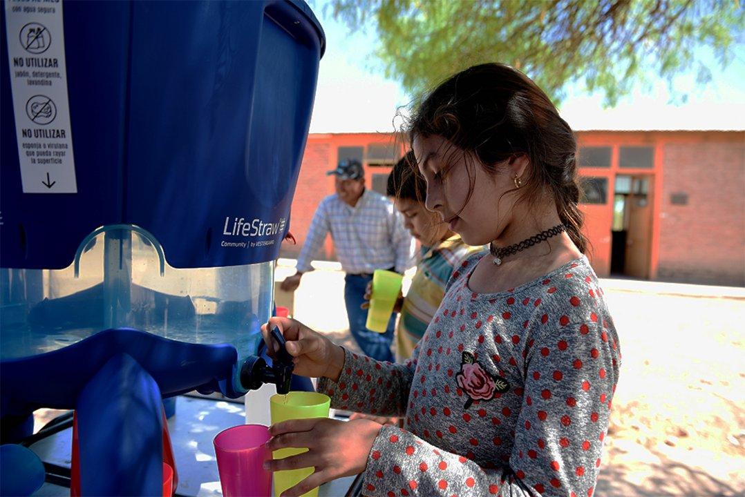 Una de las acciones que lleva a cabo la Fundación Agua Segura para llevar agua a distintos puntos del país.