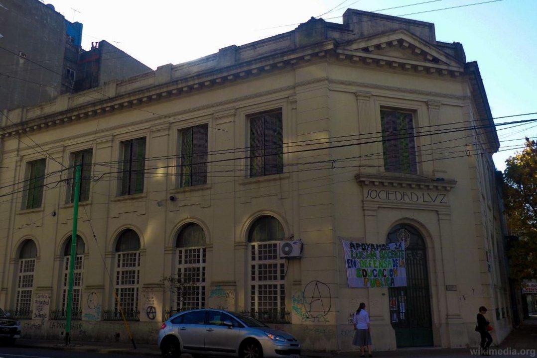 Fundada en 1899, la Sociedad Luz cuenta con cerca de 90.000 ejemplares.