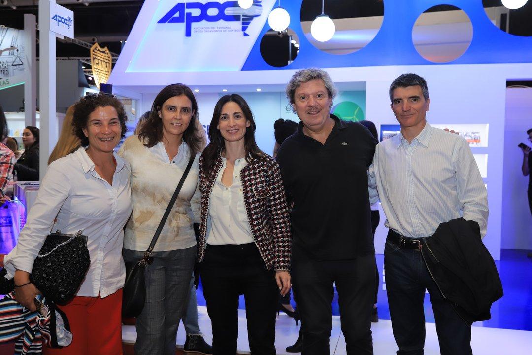 El secretario General de Apoc, Federico Recagno, junto a Pitiot y otros compañeros del sindicato.