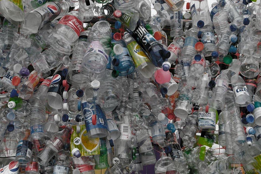 Hay proyectos para conformar un sistema que reduzca la cantidad de envases no reutilizables.