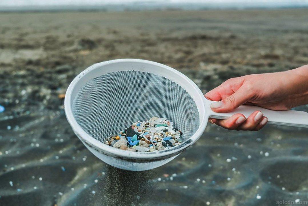 Los microplásticos se encuentran en muchos productos de higiene que están a la venta actualmente.
