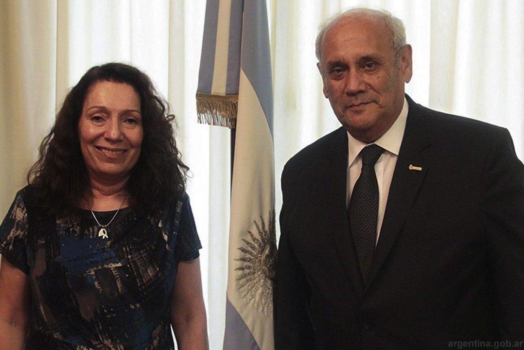 Cristina Caamaño junto a Carlos Montero.