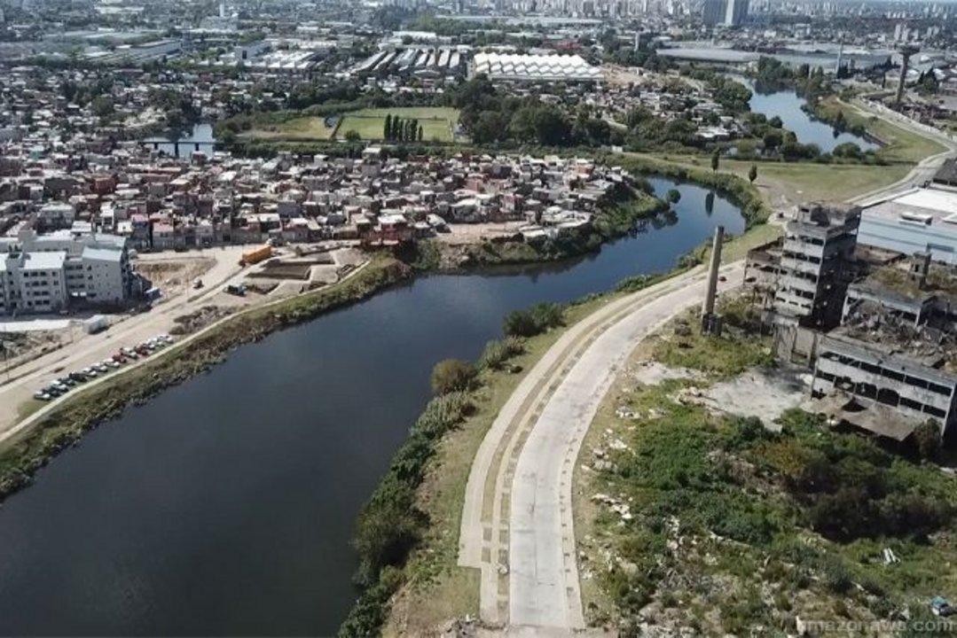 La contaminación es una de las mayores amenazas del agua en las grandes ciudades.