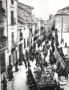 Exaltación por Alfonso VIII y cruce de Zapaterías