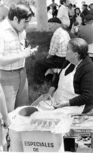 José Vicente Ávila en la romería de Urbanos de Torrejoncillo del Rey en 1978. / José Luis Pinós