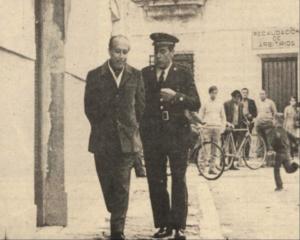El escritor Francisco García Pavón y Antonio Casal, actor que interpretó a su personaje Plinio. / Blog Carta de Ajuste