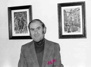Óscar Pinar en una exposición sobre Semana Santa, 1980. / José Luis Pinós
