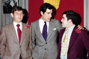 Fernando, Jesús Sánchez y José Vicente Ávila, en un homenaje al torero conquense.