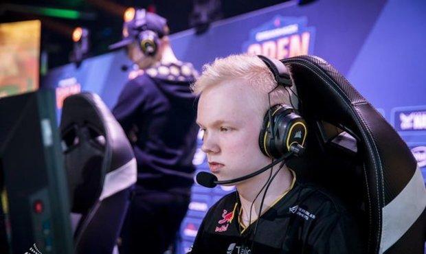 18lety-finsky-supertalent-opousti-aktivni-sestavu-ence-vykona-povinnou-vojenskou-sluzbu
