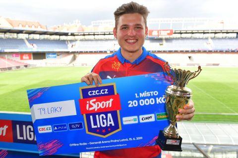 Hrát za eRepre je pro mě obrovská zkušenost, říká vítěz iSport Cupu T9Laky •Foto: Pavel Mazáč (Sport)