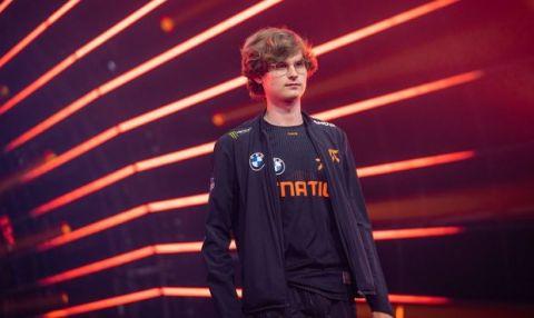 Trable hodiny před začátkem turnaje, německá hvězda Fnatic jede domů