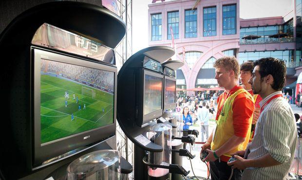 Fotbalová revoluce? Populární FIFA 17 se bude vysílat v televizi!