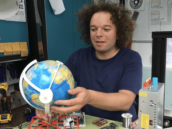 RS Components Radio Globe