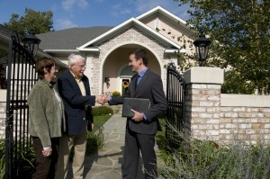 """Avoid Making a """"Lowball"""" Offer on a Home"""