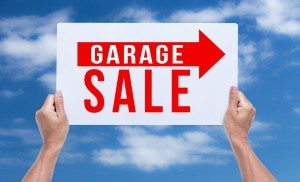 3 Must-Know Tips for Hosting a Garage Sale
