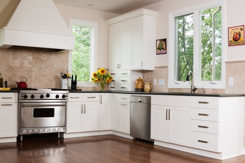 The Tidy Kitchen: 10 Tips For More Organized Cabinets