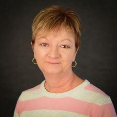 Lynn  Brooks