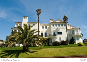 Purchase a Luxury Home Near a Top California Museum