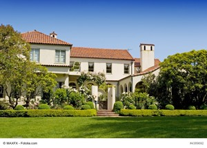 Factors to Consider Before You Sell a California Luxury Home
