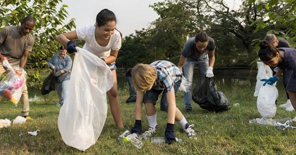Volunteering with Your Little Ones