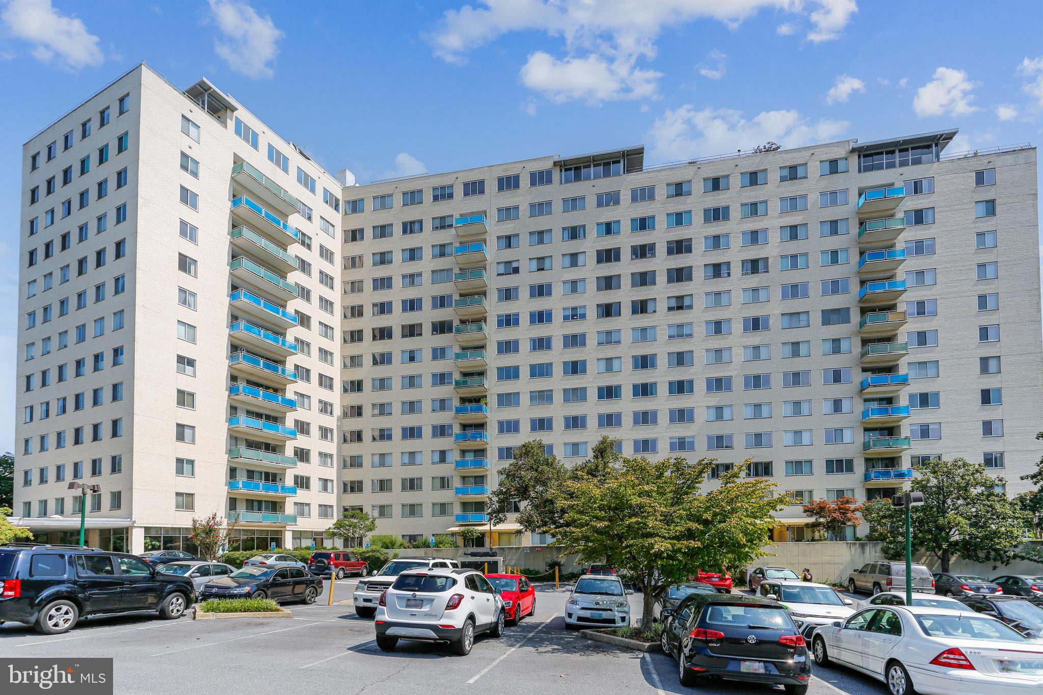 10201 Grosvenor Place #1508, Rockville, MD 20852 now has a new price of $164,000!