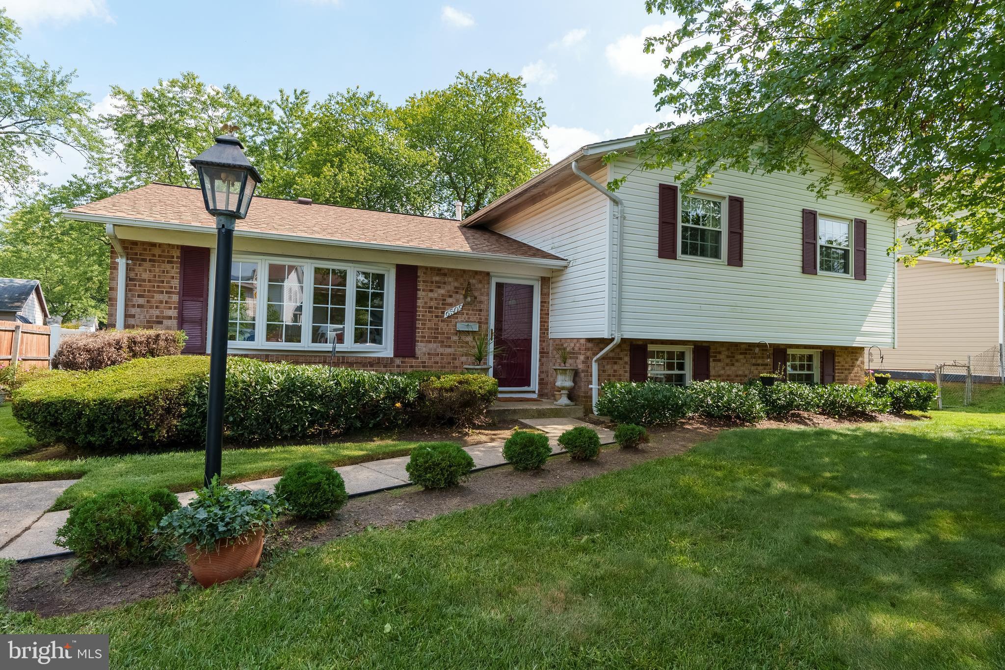 6509 Westview Lane, Lanham, MD 20706 now has a new price of $410,000!