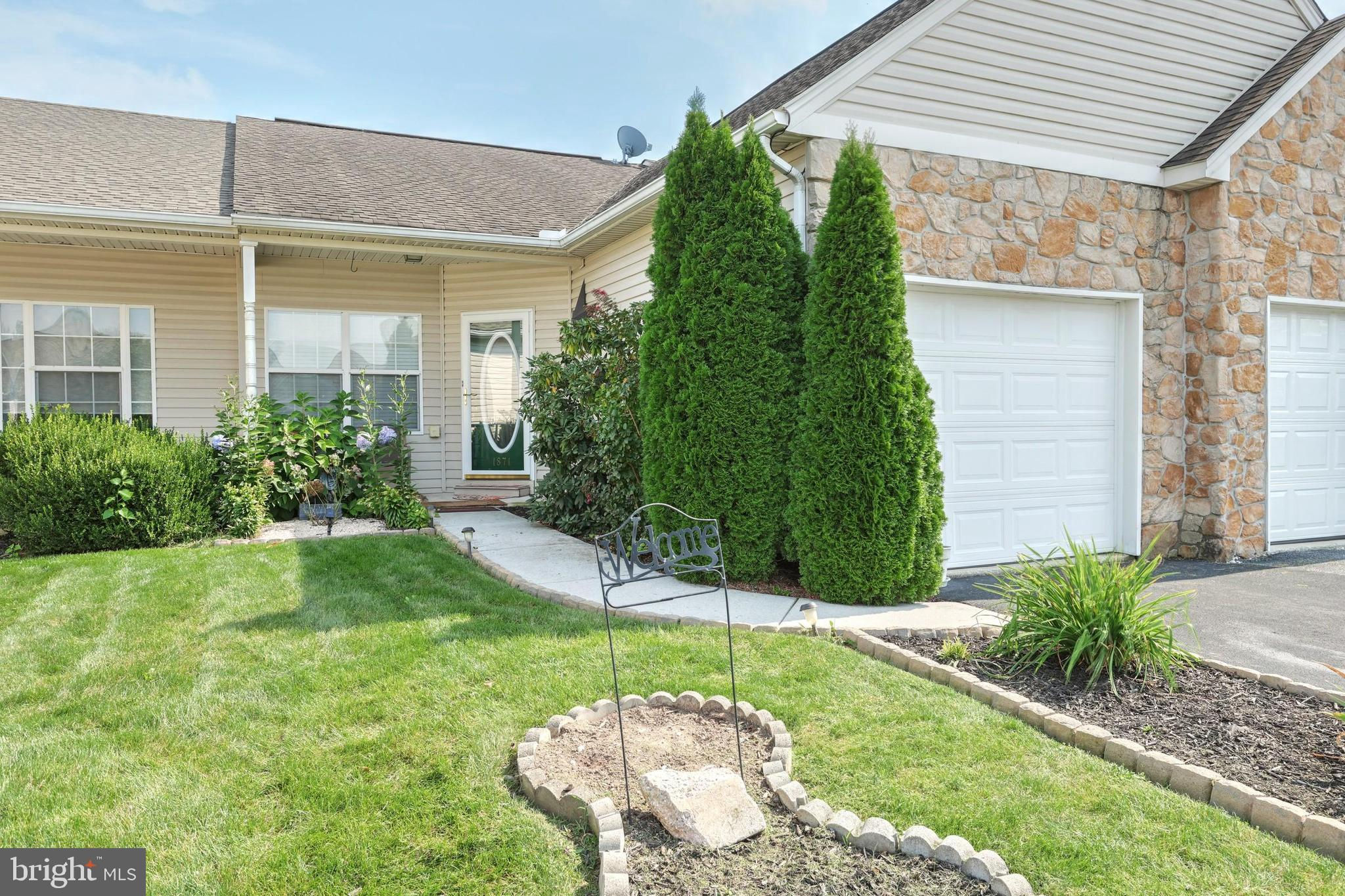 1871 Deerfield Drive, Dover, PA 17315 is now new to the market!