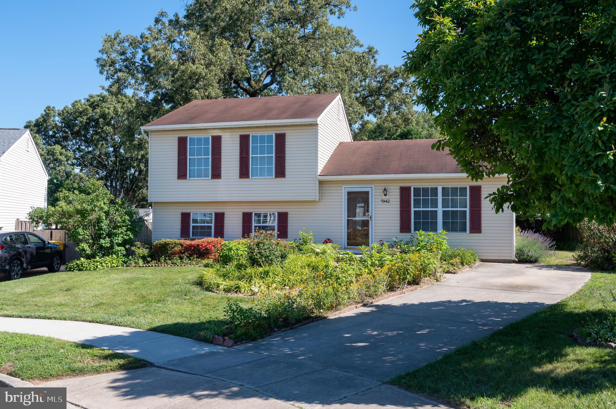 7942 Royal Mint Place, Pasadena, MD 21122 now has a new price of $3,499,000!
