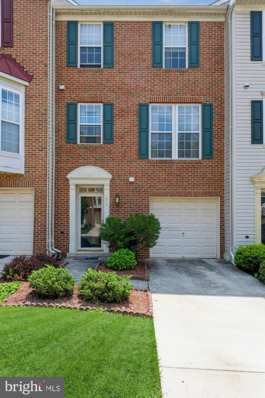 4019 Meadow Trail Lane, Hyattsville, MD 20784 is now new to the market!