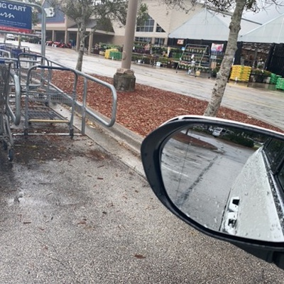 Trash near Lowe's, West Granada Boulevard, Ormond Beach, Volusia County, Florida, 32174, United States