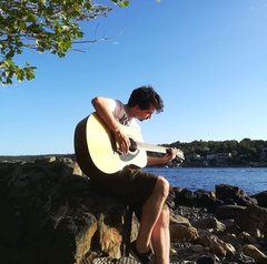Scott McAulay Singer in Glasgow