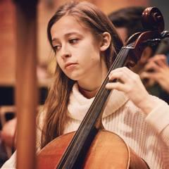 Wallis Power Cellist in Oxford