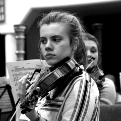 Alycia Jewes Violinist in Oxford
