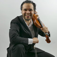 Faz Shah Violinist in Liverpool