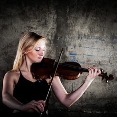 Hayley Pope Violinist in the UK