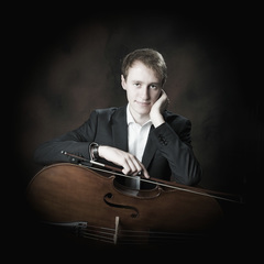 Will Robertson Cellist in the UK