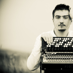 Bartosz Glowacki Accordionist in London