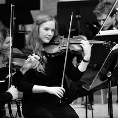 Hannah Bell Violinist in the UK