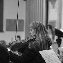 Beth Potter Viola Player in Oxford