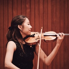 Julia Hwang Violinist in Cambridge