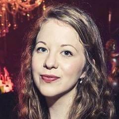 Ellen Simmons Singer in the UK