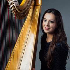 Isabel Harries Harpist in the UK