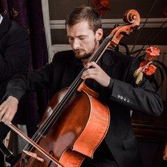 Tim Cais Cellist in Edinburgh