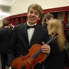 Simon McKenzie Viola Player in Edinburgh