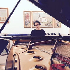 Emma Cayeux Pianist in the UK